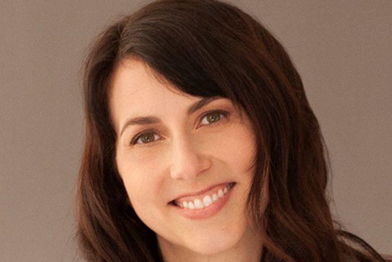 MacKenzie Scott se casó con un profesor de la escuela a la que asisten sus hijos en Seattle.
