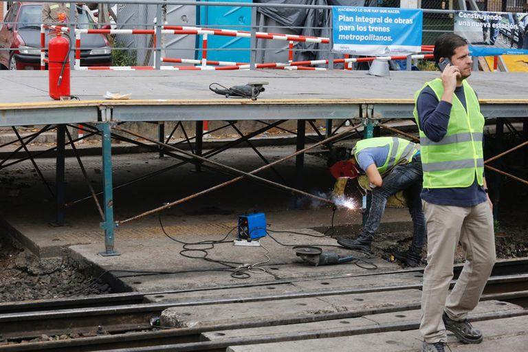 Se rompió un andén provisorio en la estación de tren Boulogne del Belgrano Norte, el servicio se encuentra interrumpido por reparaciones