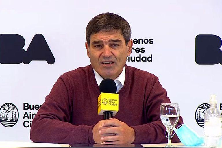 Fernán Quirós da el reporte de la situación en la ciudad de Buenos Aires