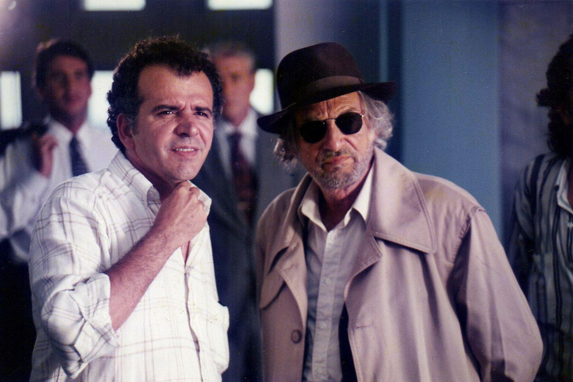El director junto a Héctor Alterio