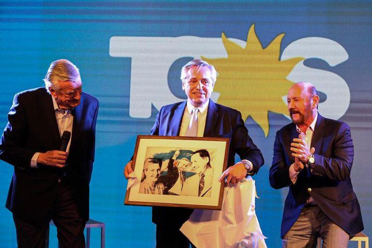 José Luis Gioja, el actual presidente del PJ, con Alberto Fernández y Gildo Insfrán.