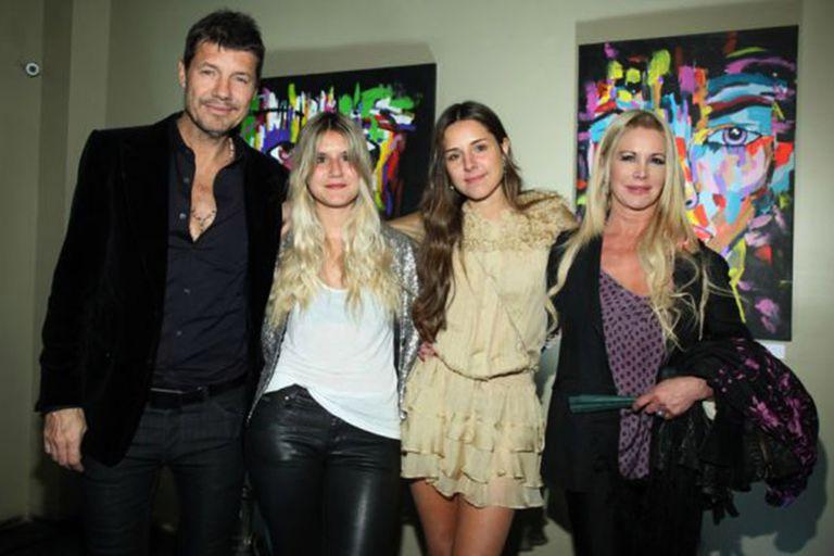 Marcelo Tinelli, Soledad Aquino y sus hijas Micaela y Candelaria