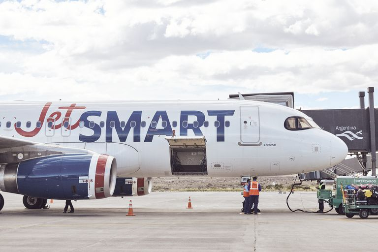 Una aerolínea quiere traer otro avión al país, pero no puede porque no hay lugar en Aeroparque