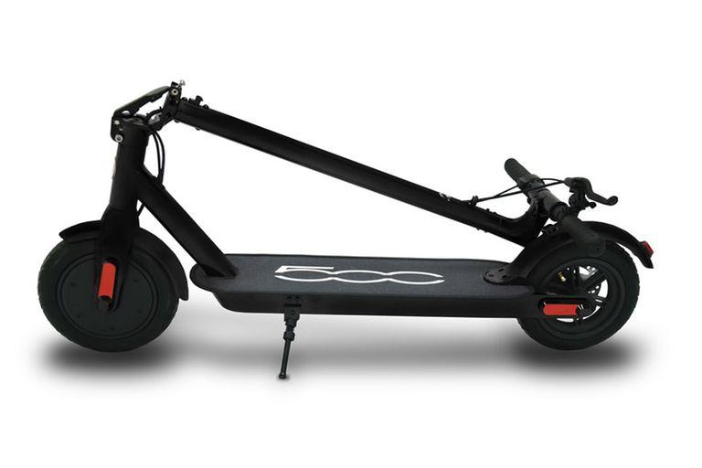 El FIat 500 F10 puede plegarse para llevar en el baúl del auto; pesa 14 kg