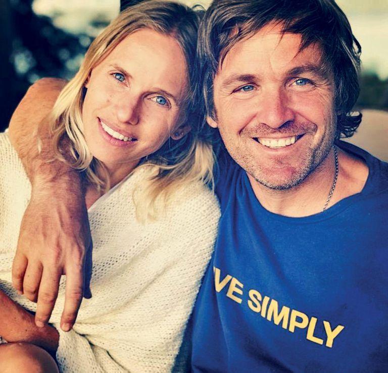 Una foto con Paco, con quien se puso de novia a los 17. Dos años más tarde, ya convivían.