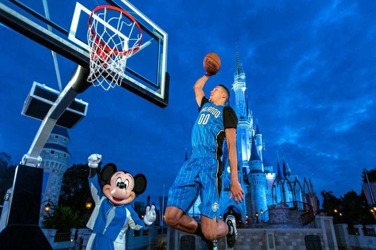 Disney World. La NBA planea reanudarse con los 30 equipos en un mismo complejo