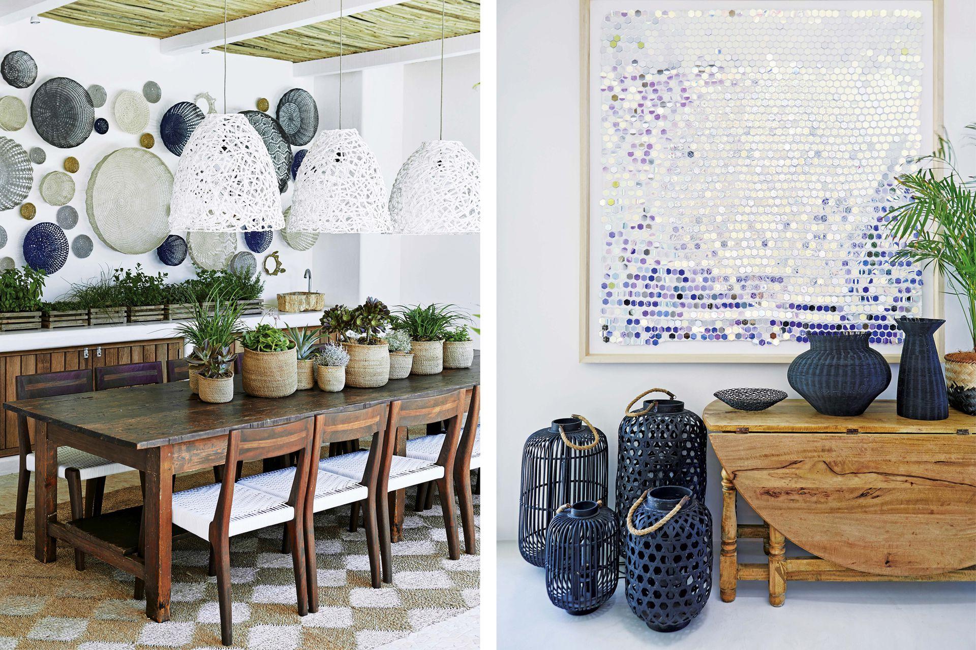 Sillas 'Twig' con estructura de caoba africana y asiento acordonado (Vogel). Trío de lámparas colgantes (Arabesque). Der. Cestería (Loft Living) y cuadro de la artista sudafricana Lyndi).