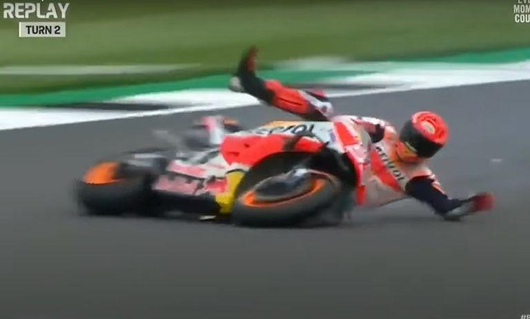 La caída de Marc Marquez en Silverstone