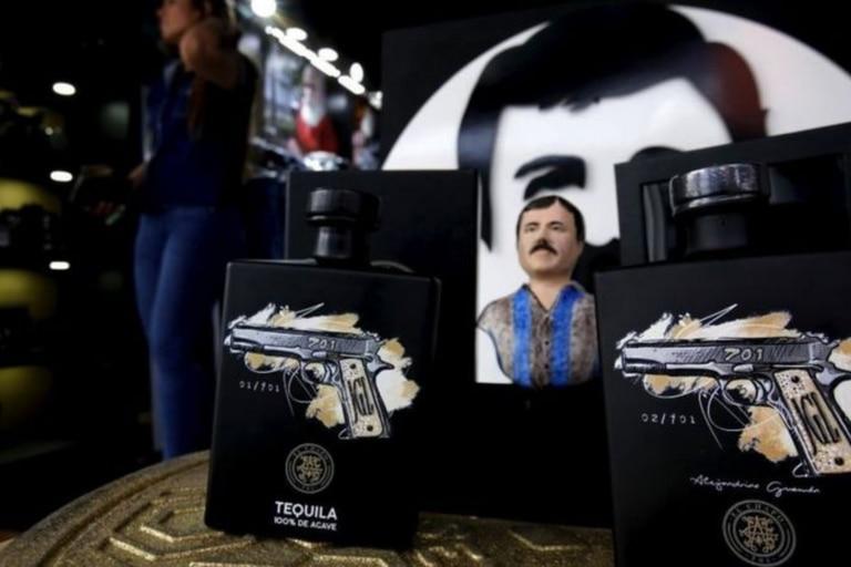 """El nombre de """"El Chapo"""" fue incluso registrado como marca por una de sus hijas para producir tequilas, joyas y otros artículos y como modo de atraer la atención de cierto público"""