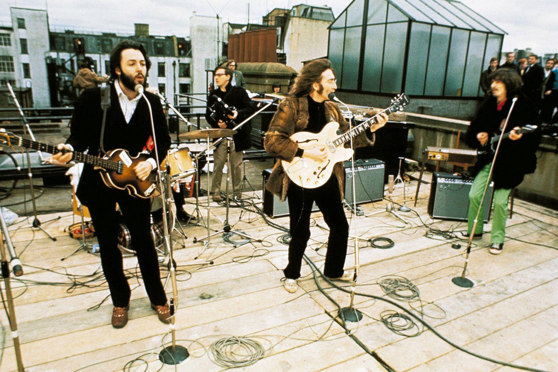 La última aparición pública como banda: para las canciones que tocaron en la terraza del edificio de Apple Corps, el 30 de enero de 1969