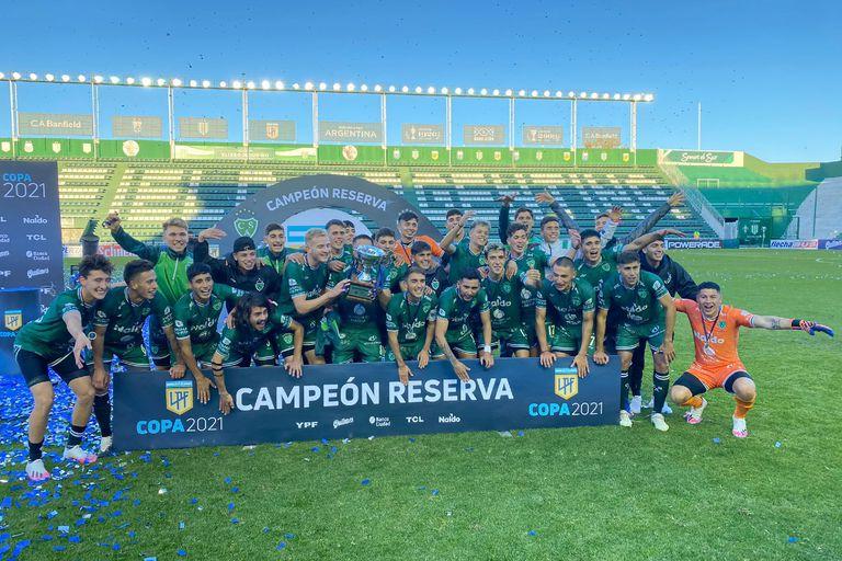 Reserva. Con un gol olímpico, Sarmiento es el campeón tras vencer a River y Boca