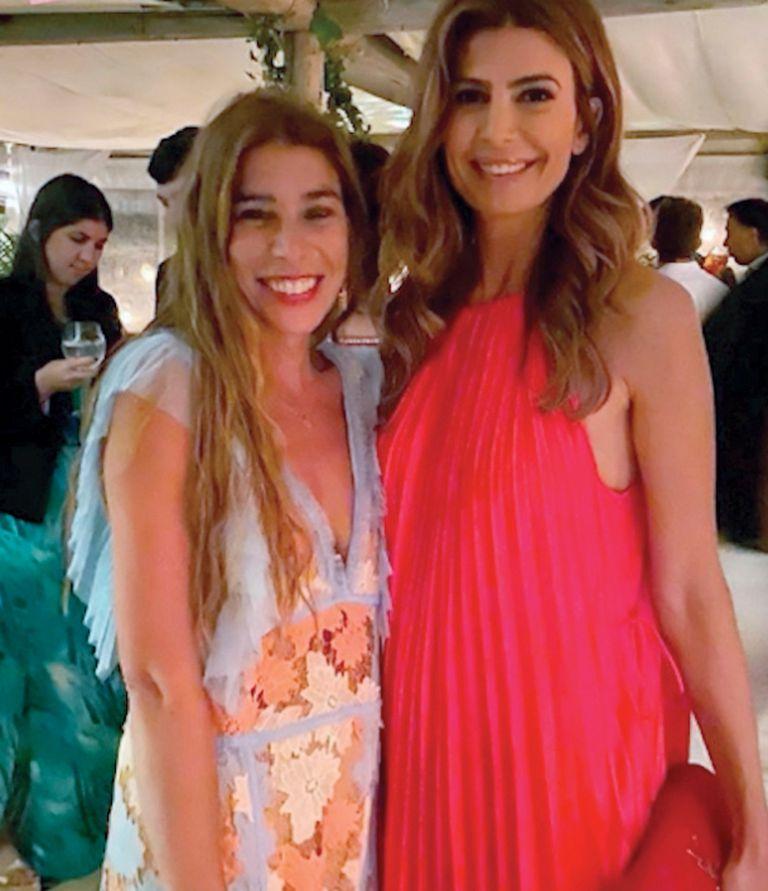 La instagrammer China Calé, invitada al casamiento de la hija de Nicolás Caputo, inmortalizó la presencia de los Macri en la fiesta a través de sus stories. Y le pidió a Juliana que posara en una foto con ella