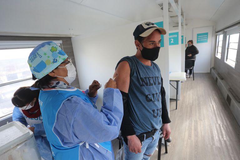 Temor, desconfianza y desconocimiento motivan el rechazo a la vacuna contra el Covid