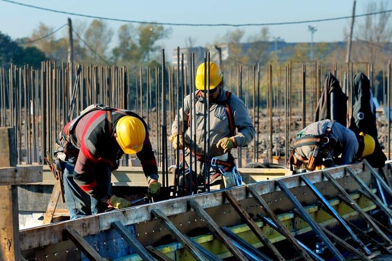 Construcción del Club Tiro Federal en el nuevo terreno junto al Rio de la Plata
