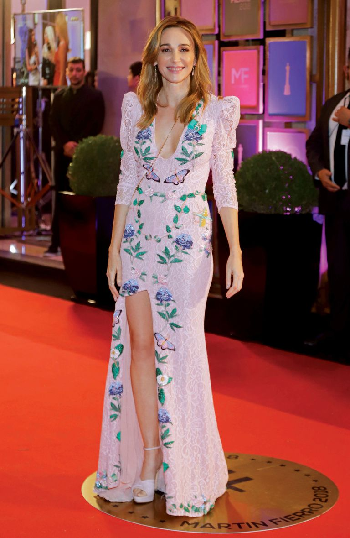 Verónica Lozano destacó sus curvas con un diseño de su marca de ropa VL by Antolín