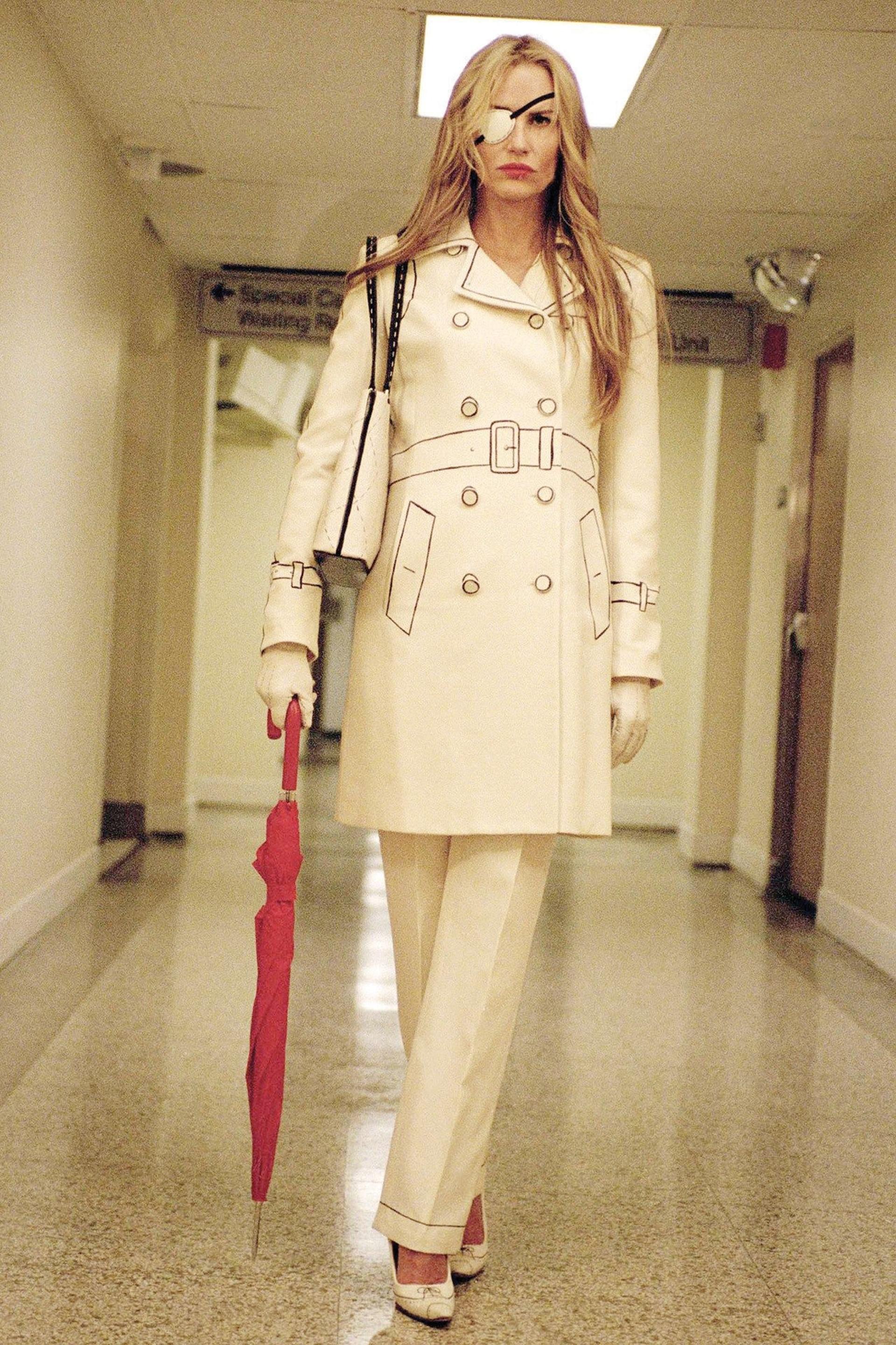 Daryl Hannah en la película Kill Bill, con modelo para copiar