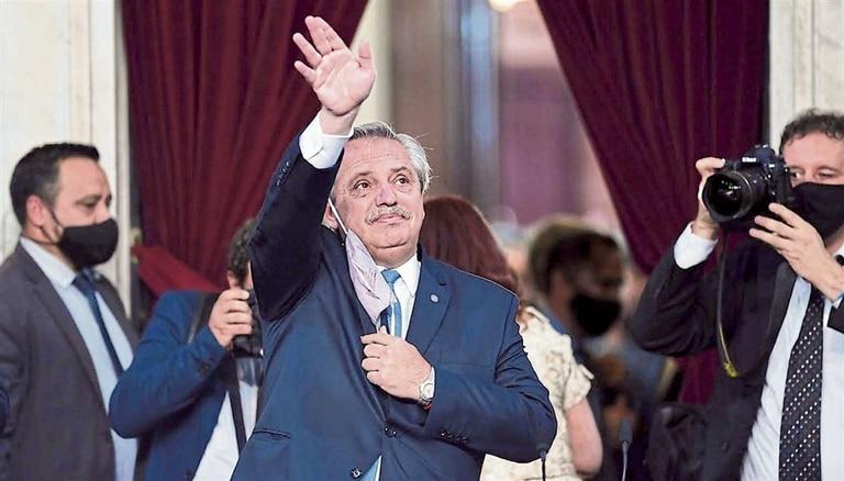 Alberto Fernández usó un tono crítico hacia los adversarios y abandonó la idea del consenso