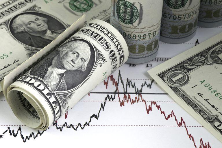 El dólar abre a la baja en medio de la expectativa por las medidas para contener la devaluación
