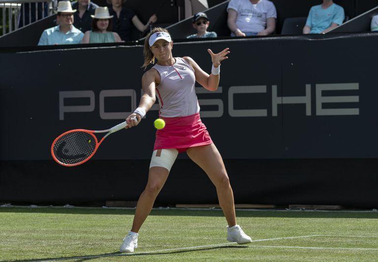 Nadia Podoroska logró el primer triunfo sobre césped de su carrera