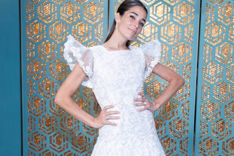 Luciendo un vestido blanco, Juana Viale contó que su novio le propuso casamiento
