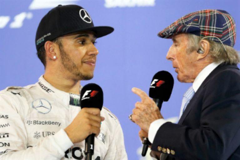 """Hamilton con Jackie Stewart, tricampeón mundial, que dijo que no lo incluiría """"entre los mejores de la F.1"""" y desató la polémica"""