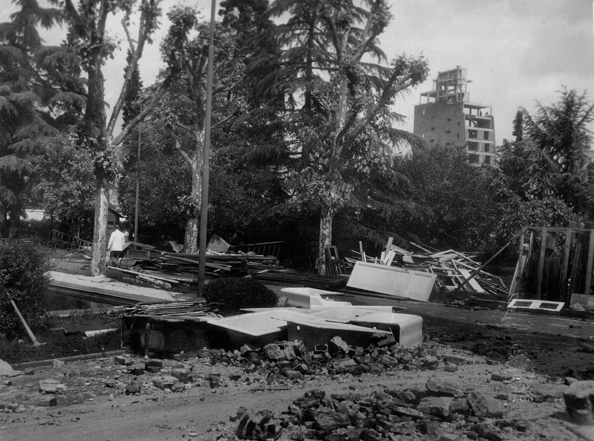 Demolición y desguace de la quinta. 20/10/1956.