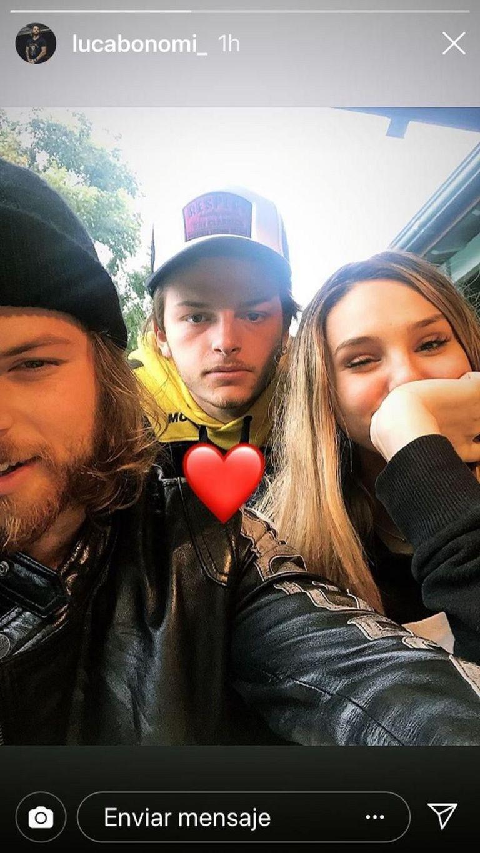 Los hermanos Luca y Luigi Bonomi, junto a Juanita, en una publicación realizada por el novio de Cande Tinelli