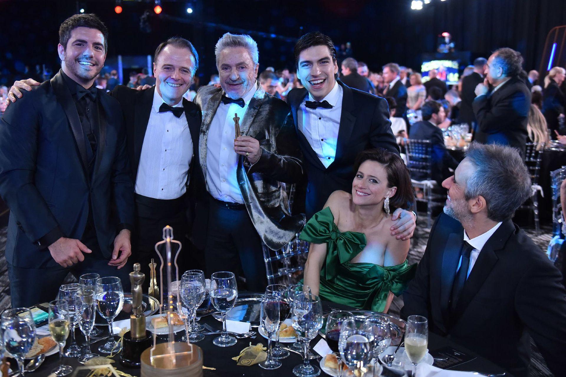 Los felices ganadores de Sandro de América