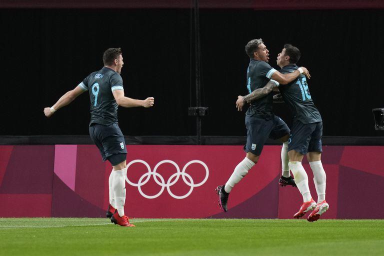 El primer gol para el fútbol, el mazazo a las Leonas y la maravilla de Biles... que tuvo un error inesperado