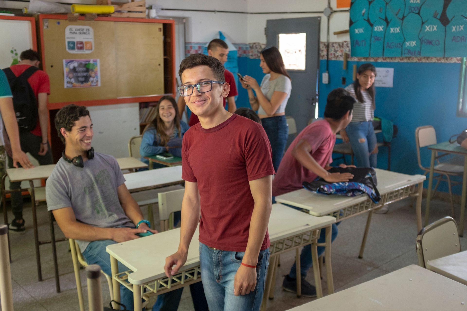 Leandro en el aula de su escuela