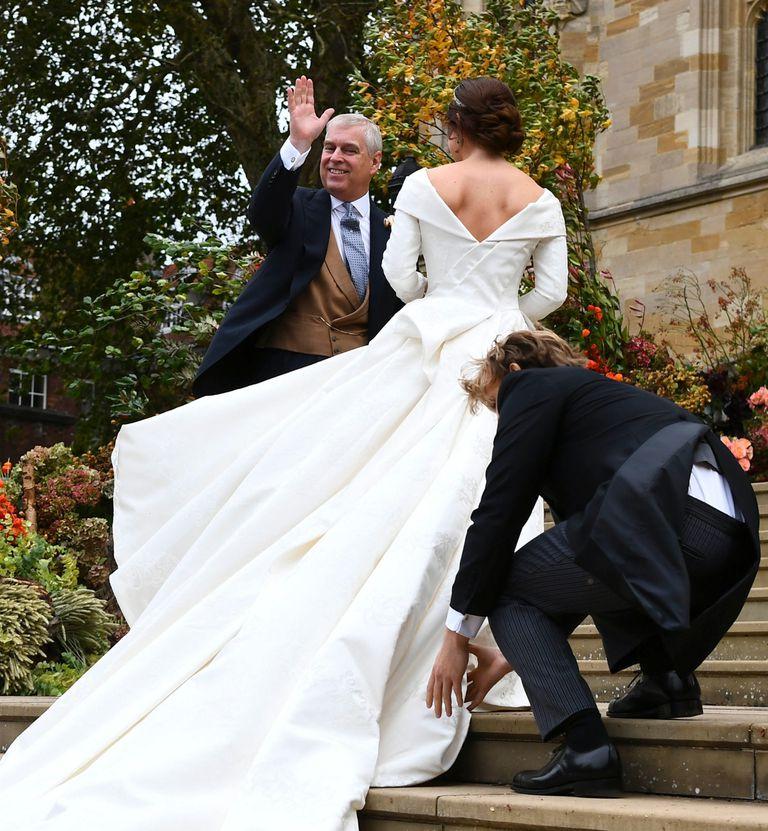 El príncipe Andrés ejerció de orgulloso padrino y estuvo a atento a todos los detalles.