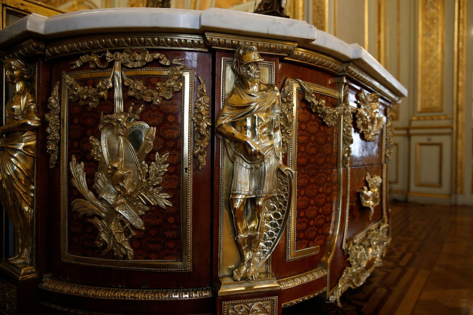 Uno de los muebles originales que se conservan en el Palacio