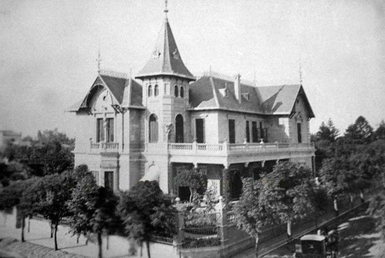 """En la casa se filmaron escenas de tres películas. La más conocida se llamó """"La Casa del Ángel"""". Dirigida por Leopoldo Torre Nilsson, fue record de taquilla en 1957."""