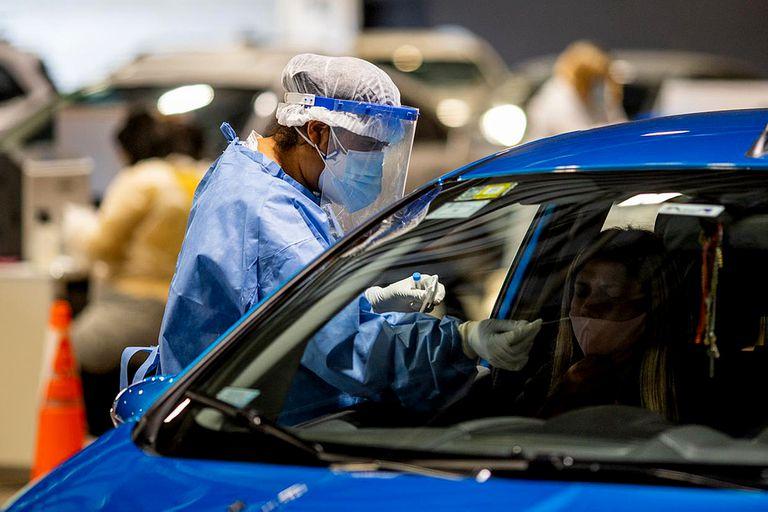 Confirmaron 135 muertos y 2493 contagios en las últimas 24 horas