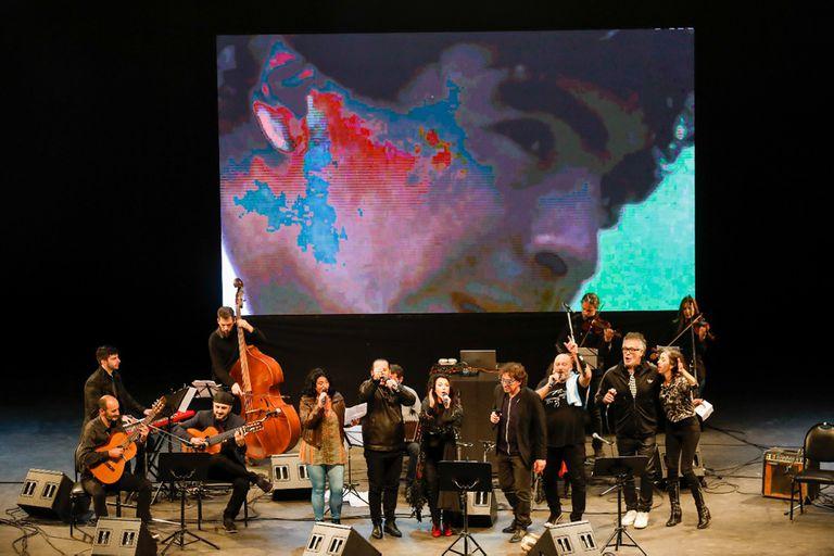 Homenaje a Diego Maradona en el Festival de Tango