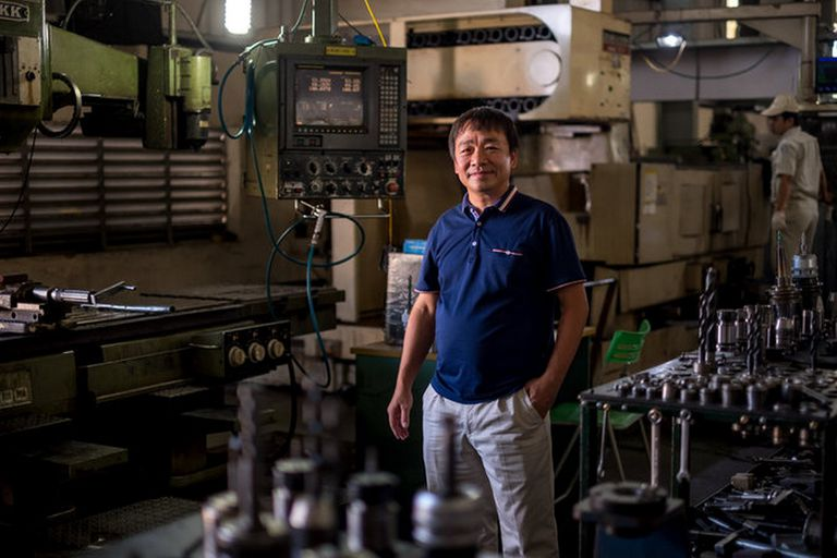Nguyen Xuan Hoang, fundador de Vietnam Precision Mechanical Service Trading, dijo que cuando los socios surcoreanos de Samsung comenzaron a llegar a Vietnam, el gigante de la electrónica dejó de trabajar con ellos