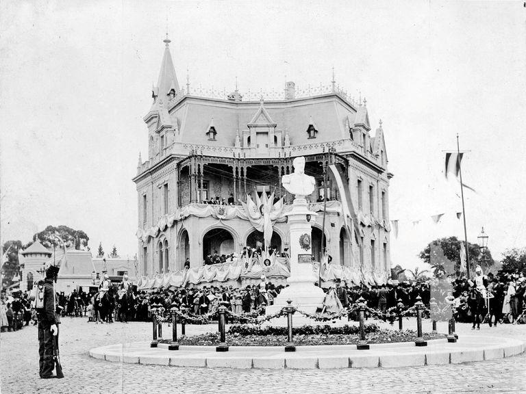 Busto de Belgrano, 1899