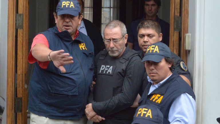 Traslado de Ricardo Jaime detenido en Cordoba por el caso de las compras de trenes usados a España