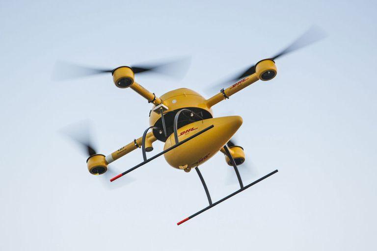 El servicio de entrega de paquetes mediante drones de DHL no recorre áreas urbanas y conecta a la isla de Juist con la costa alemana en 15 minutos