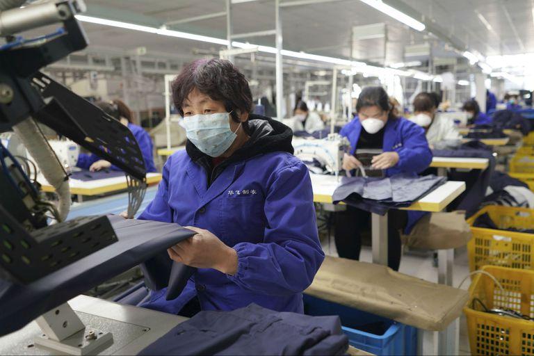 Volver a sentir el sol: Pekín empieza a revivir tras lo peor del coronavirus