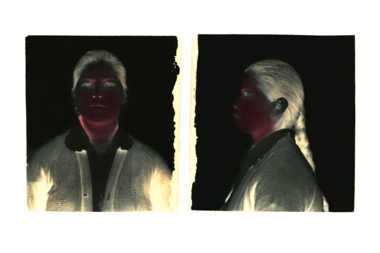 """""""Sin título"""" de la serie Bajo el sol negro, 1991-1993 de Milagros de la Torre (Lima, 1965), elegida en la galería Rolf Art y donada al museo por Sergio Quattrini"""
