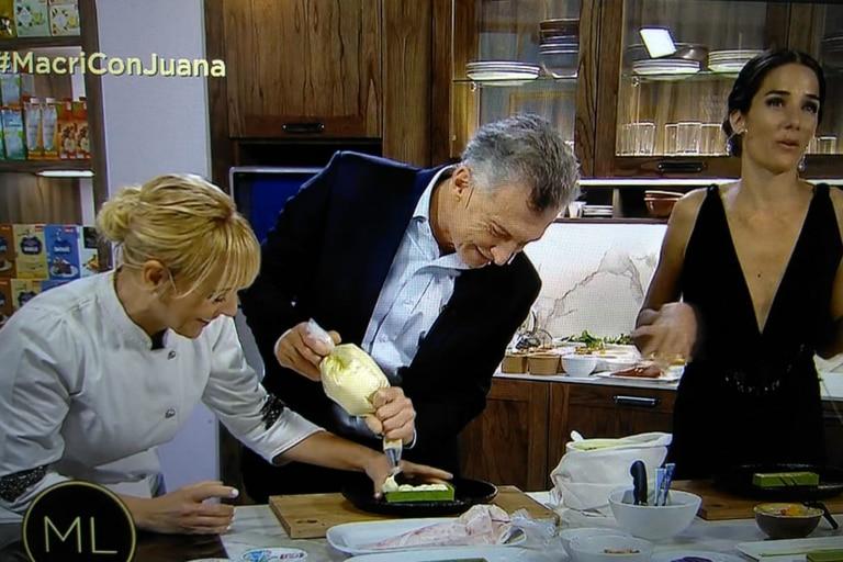"""""""No es tu lugar"""": Macri la pasó mal en la cocina y Juana Viale lo retó"""