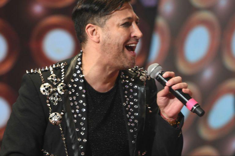 Cantando: Pablo Ruiz dijo que aún exorciza las burlas por su sexualidad