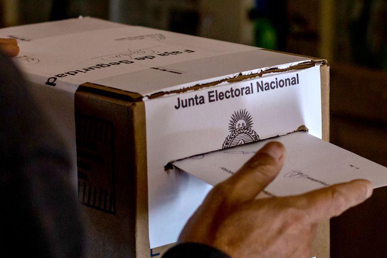 """Votar es """"irracional""""; menos mal que no todos lo saben"""