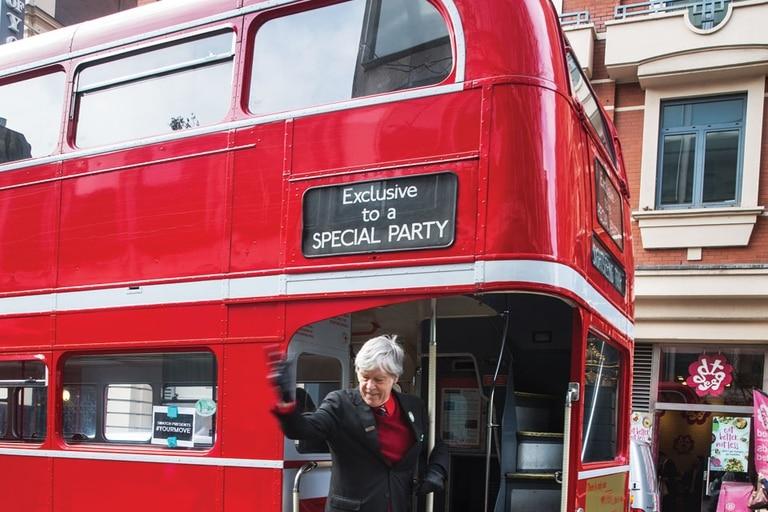 El bus rojo de dos pisos, clásico de siempre