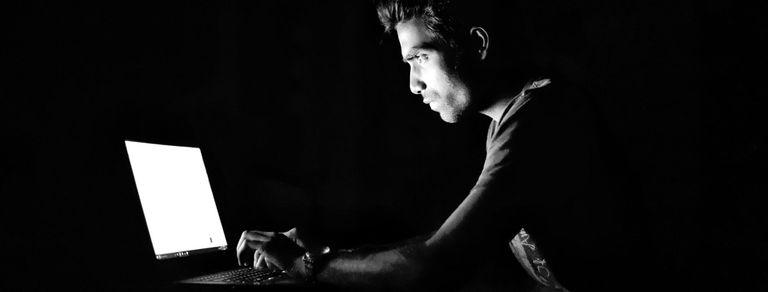 Estafadores de la web: cómo engañaron a Spotify, Google y hasta a la Lazio