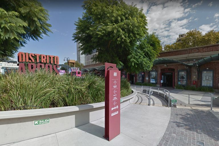 Palermo: un policía fue detenido por violar a una adolescente en un shopping