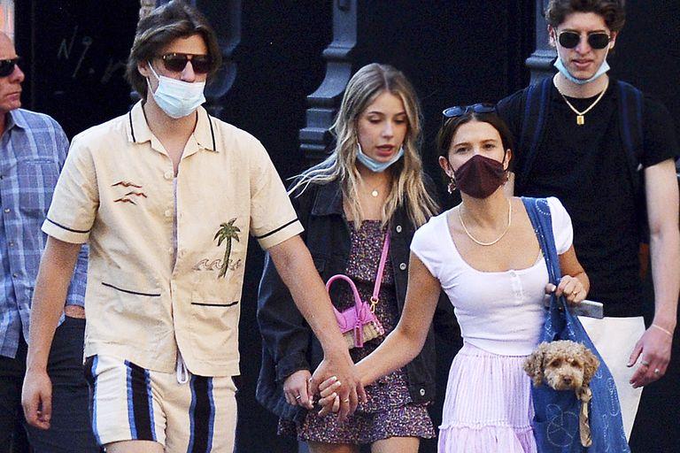 Nuevas fotos de Millie Bobby Brown confirman el romance con Jake Bongiovi,  el hijo de Bon Jovi - LA NACION