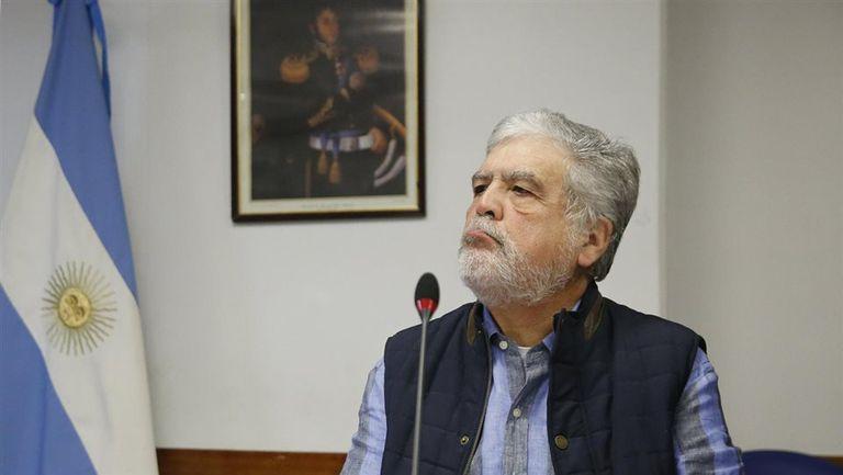 Pese a la novedad judicial, De Vido fue ayer a la reunión de la Comisión de Energía