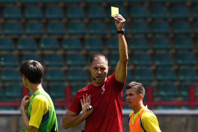 Nestor Pitana, en el entrenamiento de árbitros que participarán del Mundial Rusia 2018